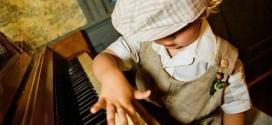 Có nên mua đàn piano online?
