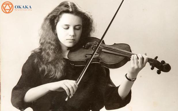 Đây là câu chuyện đau lòng và đầy cảm hứng về Rosemary Johnson và cách công nghệ có thể khai thác sức mạnh của âm nhạc để trao cơ hội sáng tác nhạc cho một nghệ sĩ violin bại não.