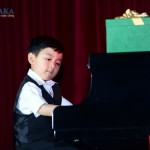 Evan Le – thần đồng piano gốc Việt tài không đợi tuổi