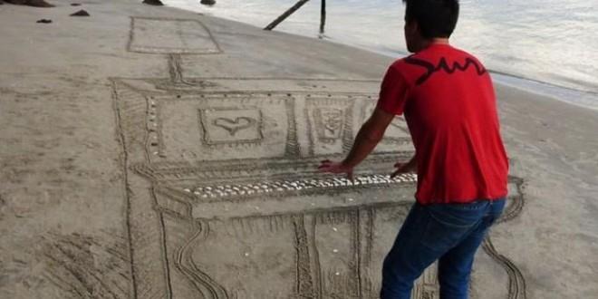Chiêm ngưỡng cây đàn piano 3D trên cát ở bãi biển New Zealand!