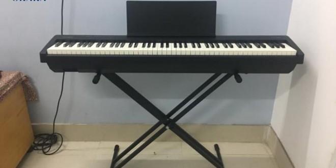 OKAKA giao đàn piano điện Roland FP-30 cho cô Hồng ở quận 5