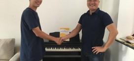 OKAKA giao đàn piano điện Roland RP-501R cho anh Phú ở Gò Vấp