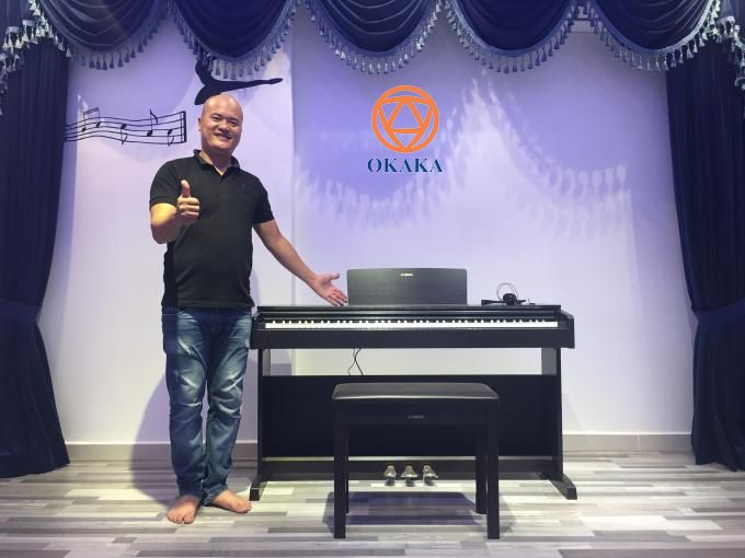 Hôm qua, OKAKA đã đến Trường Năng khiếu Sài Gòn ở Sky Center, Tân Bình giao đàn piano điện Yamaha YDP-143 cho chị Trang để phục vụ việc dạy học năng khiếu cho các bé.