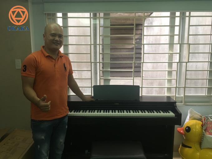 Sáng nay OKAKA đã đến giao đàn piano điện Yamaha YDP-163 cho chị Trang ở Tân Bình để hai mẹ con chị cùng học cho vui.