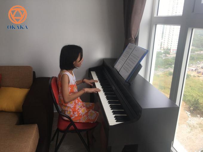Hôm qua, OKAKA đã đến giao đàn piano điện Roland HP-603 cho chị Quỳnh ở chung cư Silver Star, Nhà Bè.