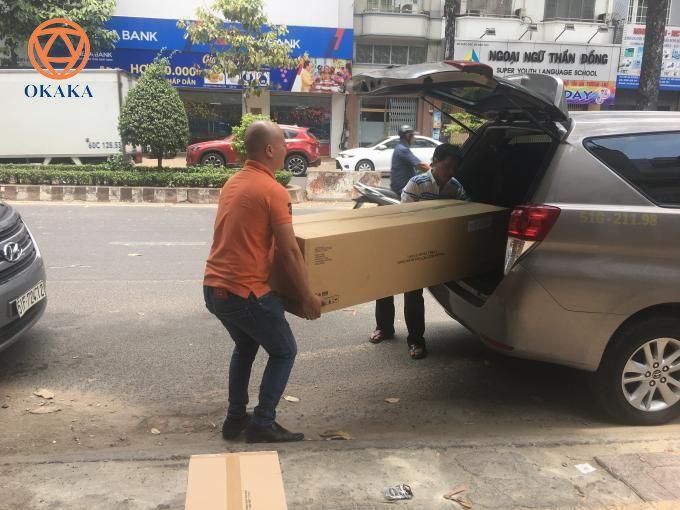 Hôm qua, OKAKA đã ra nhà xe giao đàn piano điện Roland RP-501R cho chị My ở Đồng Xoài, Bình Phước.