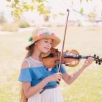 Không ai có thể phủ nhận tài năng phi thường của Karolina Protsenko – cô gái nhỏ đang gây bão trên toàn thế giới nhờ các video chơi violin trên đường phố.